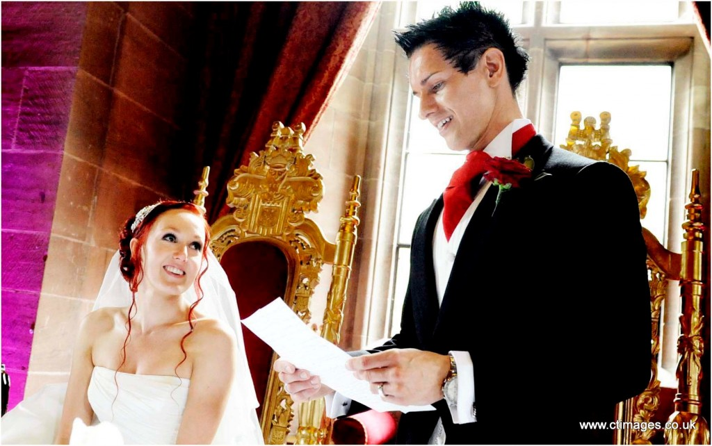 peckforton-castle-wedding-photography-grooms-speech