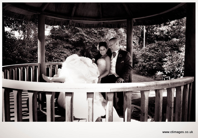 astley-bank-wedding-photography-bride-in-garden