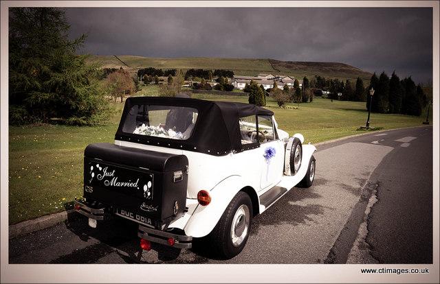 moorside-grange-hotel-wedding-photography-car