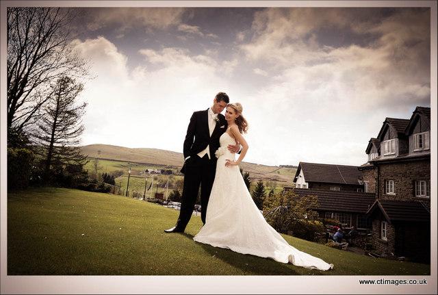 moorside-grange-hotel-wedding-photography-gardens