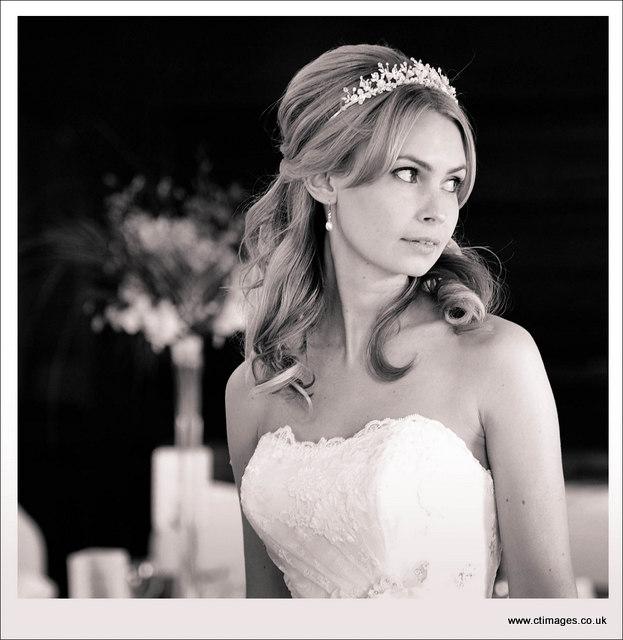moorside-grange-hotel-wedding-photography-bride-in-tiara