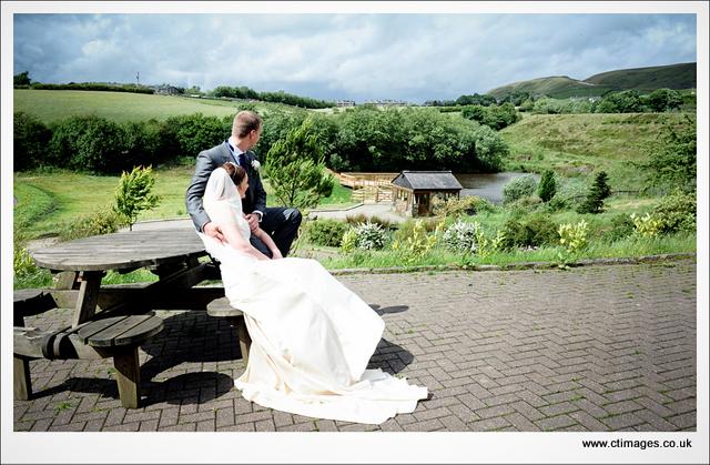 fishermans-retreat--photography-at-bury-wedding