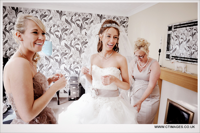 bolton-school-weddings-photography-bride-at-home