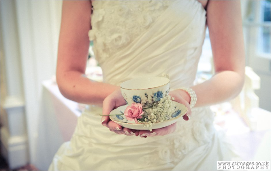 ashfield house-photographer-wedding-photography-standish-weddings-vintage-bride-25.jpg