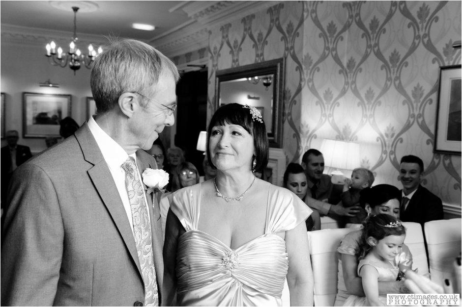 astley-bank-wedding-photographer-darwen-weddings-photography-creative-photographers_0011.jpg