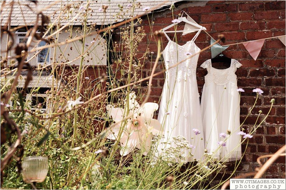 astley-hall-wedding-photos-chorley-weddings-lancashire-photographers-creative-female-photography_0002.jpg