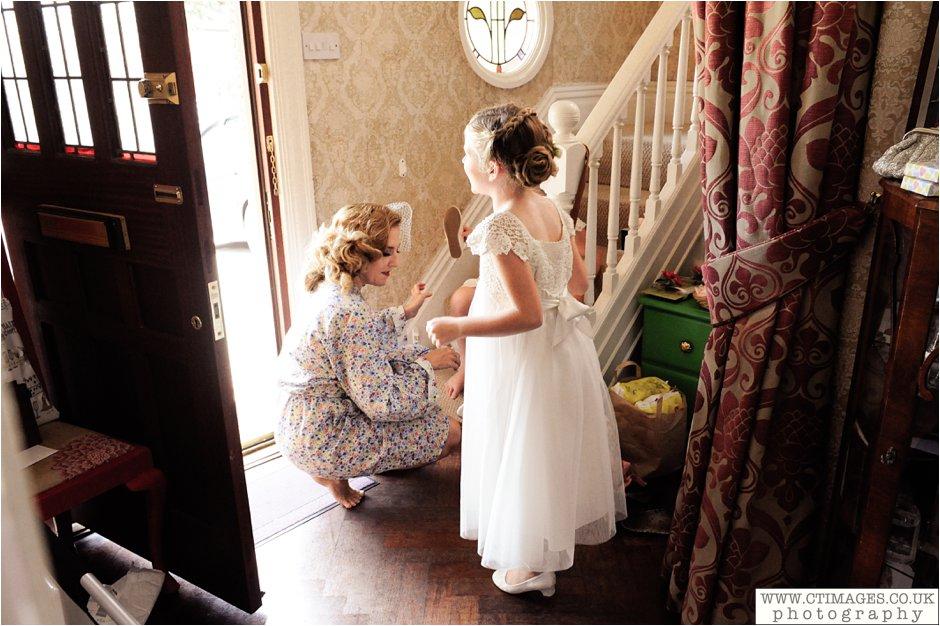 astley-hall-wedding-photos-chorley-weddings-lancashire-photographers-creative-female-photography_0013.jpg