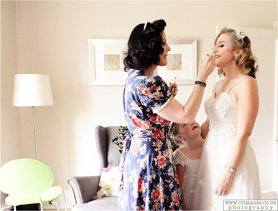 astley-hall-wedding-photos-chorley-weddings-lancashire-photographers-creative-female-photography_0018.jpg