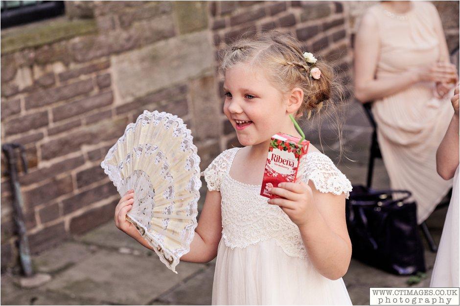 astley-hall-wedding-photos-chorley-weddings-lancashire-photographers-creative-female-photography_0037.jpg