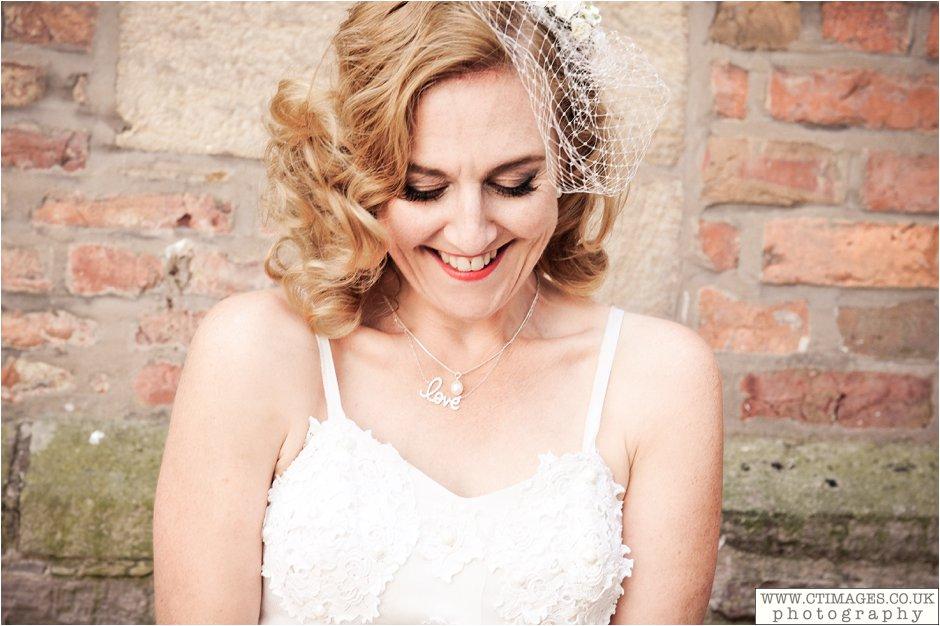 astley-hall-wedding-photos-chorley-weddings-lancashire-photographers-creative-female-photography_0040.jpg