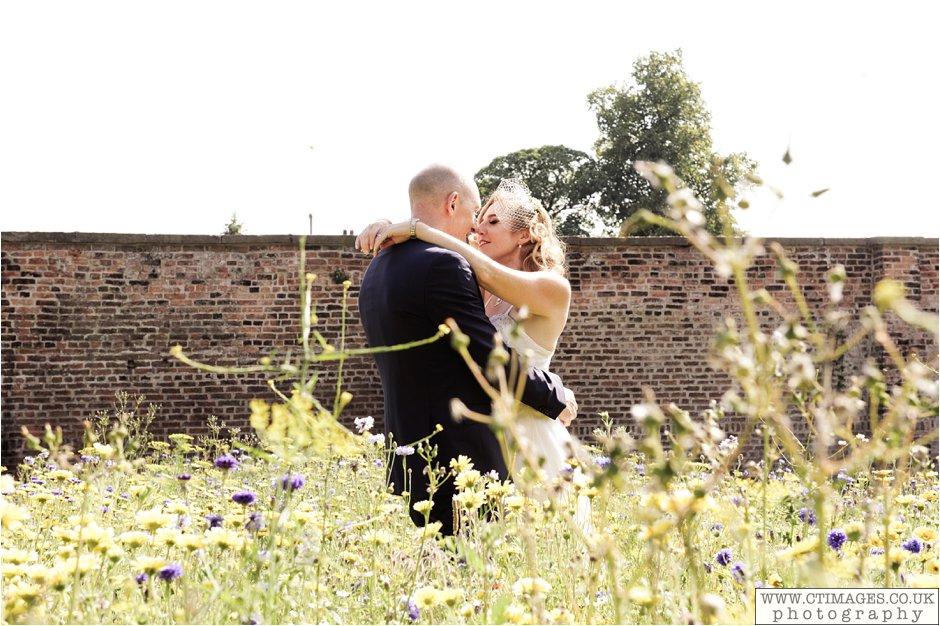astley-hall-wedding-photos-chorley-weddings-lancashire-photographers-creative-female-photography_0045.jpg
