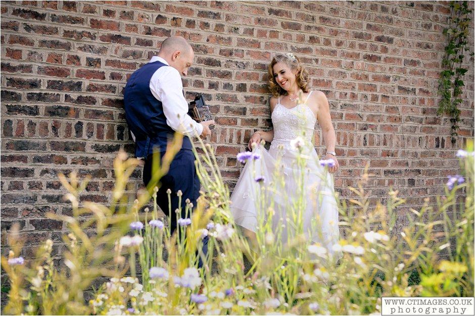 astley-hall-wedding-photos-chorley-weddings-lancashire-photographers-creative-female-photography_0046.jpg