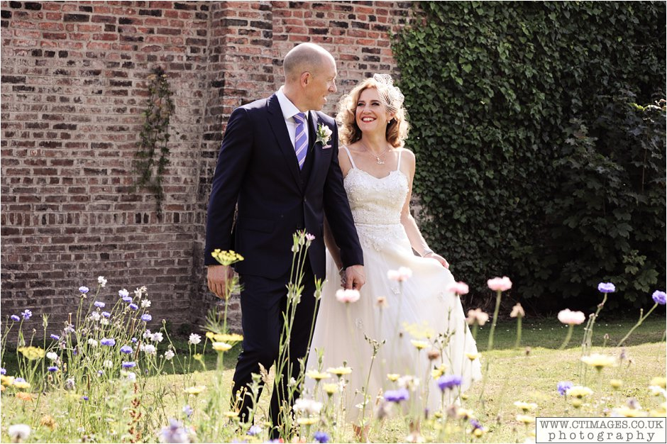 astley-hall-wedding-photos-chorley-weddings-lancashire-photographers-creative-female-photography_0047.jpg