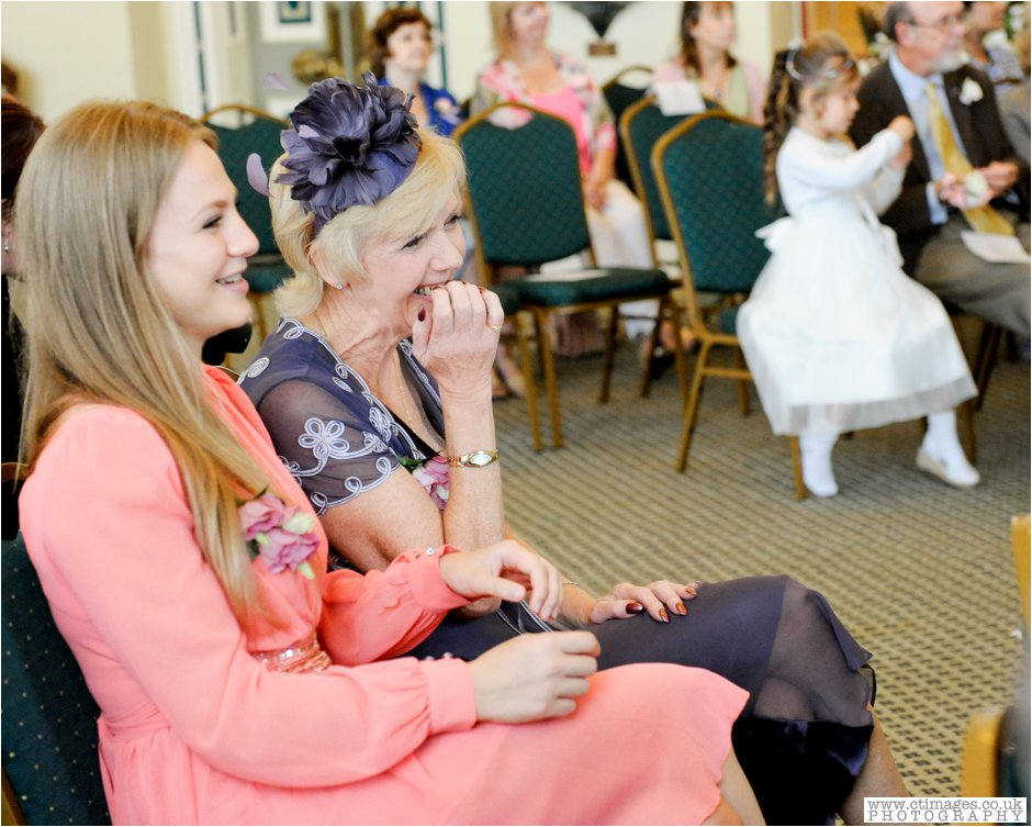 bolton-albert-halls-wedding-photographer-pack-horse-affetside-weddings-female-photography-creative-photographers_0013.jpg