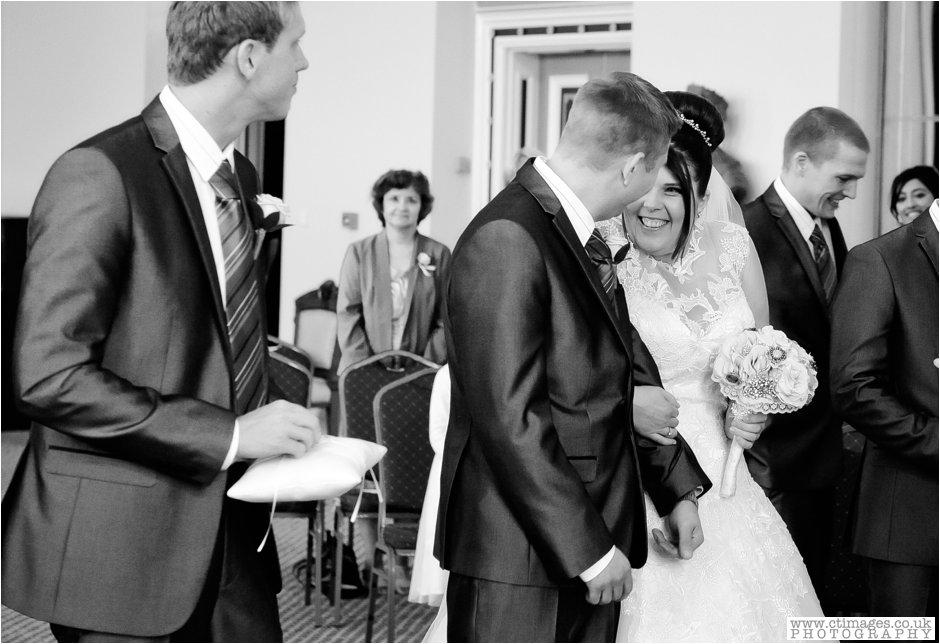 bolton-albert-halls-wedding-photographer-pack-horse-affetside-weddings-female-photography-creative-photographers_0014.jpg