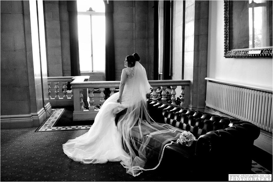 bolton-albert-halls-wedding-photographer-pack-horse-affetside-weddings-female-photography-creative-photographers_0019.jpg