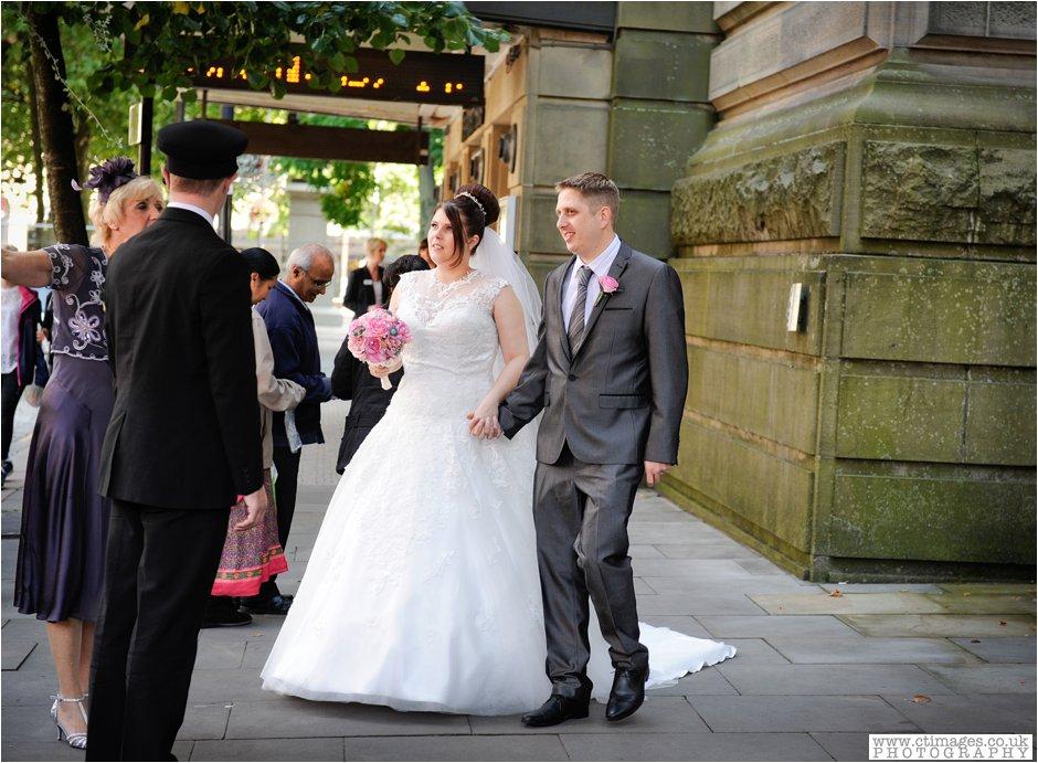 bolton-albert-halls-wedding-photographer-pack-horse-affetside-weddings-female-photography-creative-photographers_0021.jpg