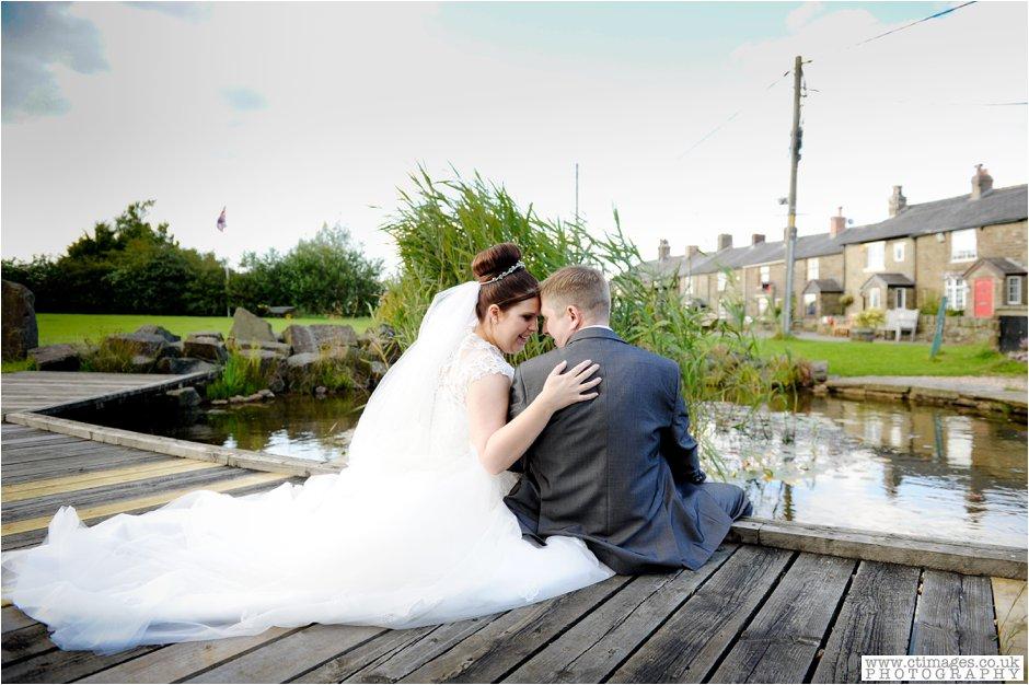 bolton-albert-halls-wedding-photographer-pack-horse-affetside-weddings-female-photography-creative-photographers_0034.jpg