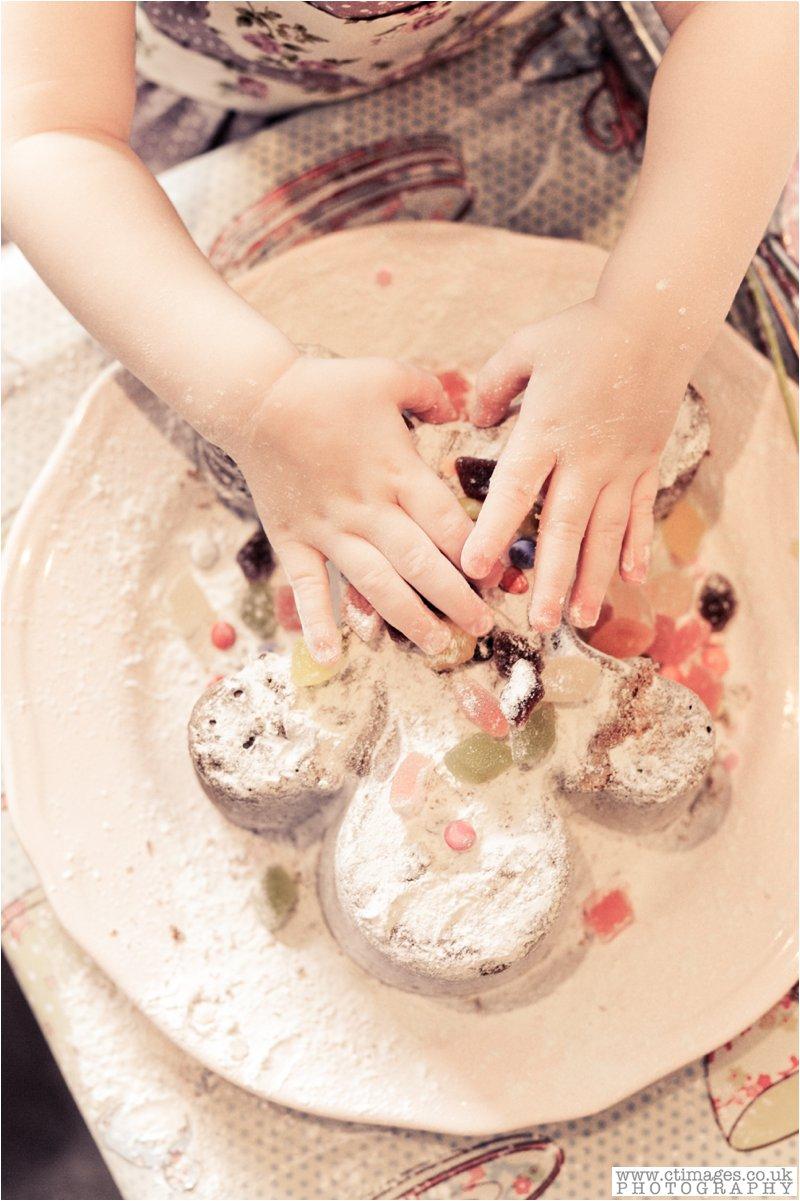 cake-smash-manchester-female-photographer-vintage-photos-childrens-portrait-photography-16