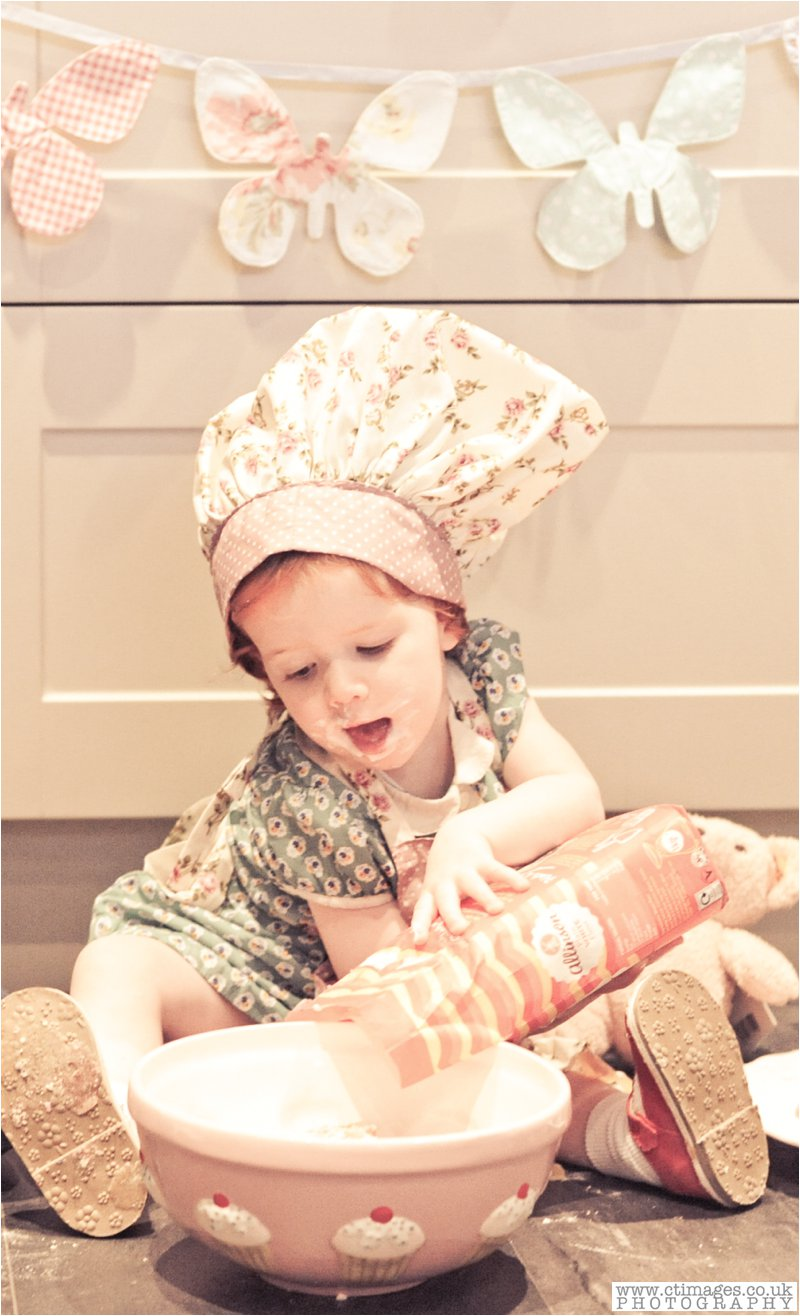 cake-smash-manchester-female-photographer-vintage-photos-childrens-portrait-photography-25