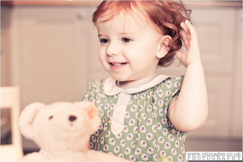 cake-smash-manchester-female-photographer-vintage-photos-childrens-portrait-photography-4
