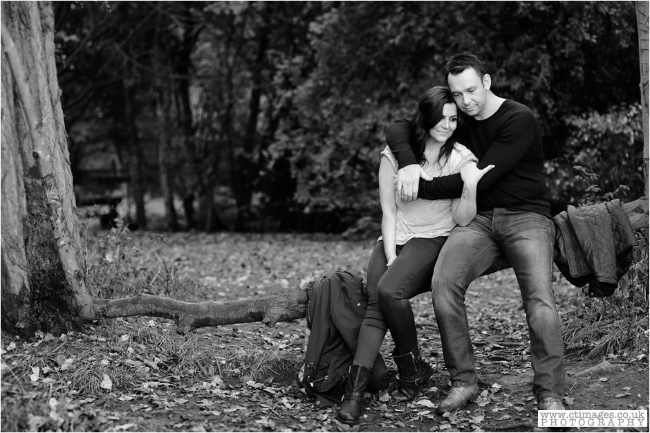 cheshire-wedding-photographer-culcheth-linear-park-photos-warrington-engagement-photography_0017.jpg