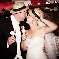 THE HOLIDAY INN / Bolton Wedding Photography Mark+Jane