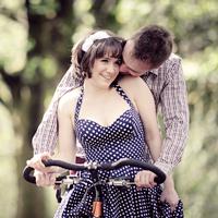 RIVINGTON VINTAGE ENGAGEMENT : Jane+Adam