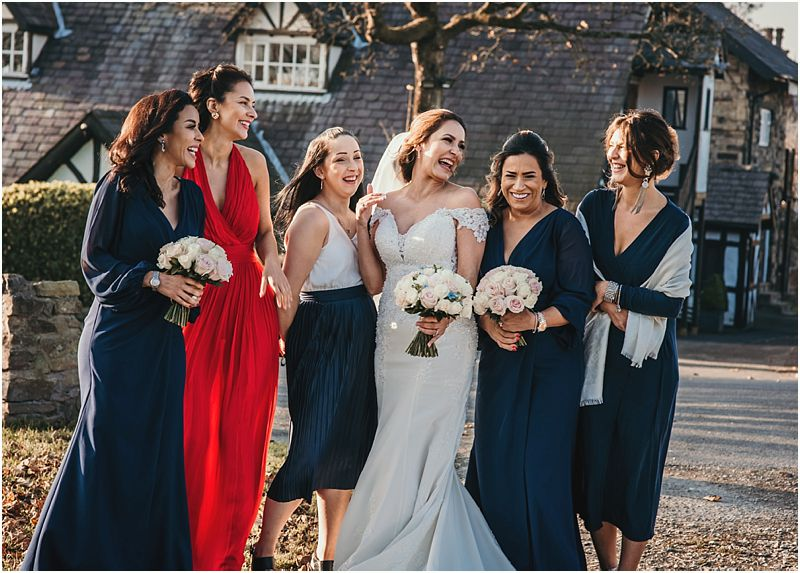 last drop wedding photographer Cat at CT Images photographs the bridesmaids