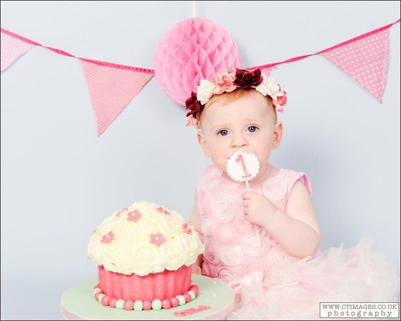 baby girl cake smash, pink,