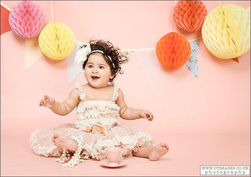 babys first birthday,cake smash photography,cake smash photos,manchester cake smash photography,