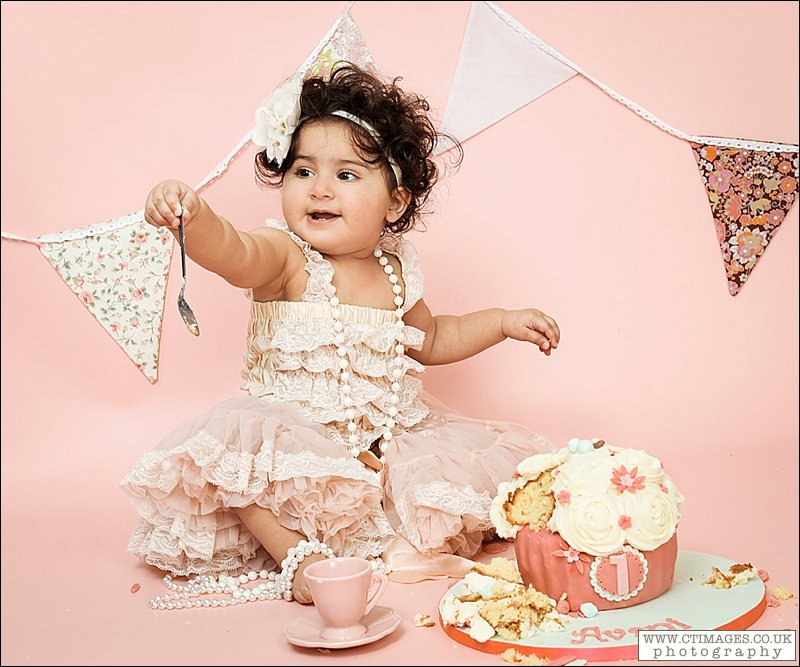 First Birthday Cake Smash – Avani in vintage lace