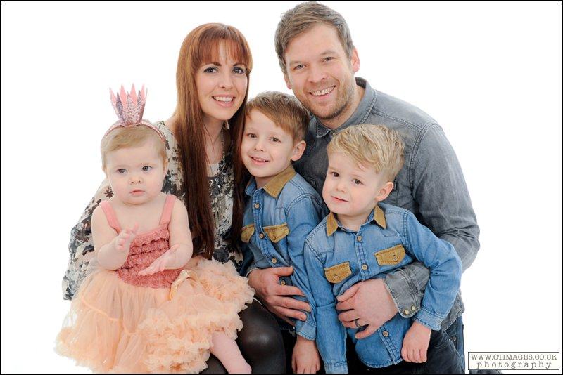 bolton childrens photographer,bolton kids portraits,childrens outdoor pictures,childrens portraits,manchester,photographer,photography,