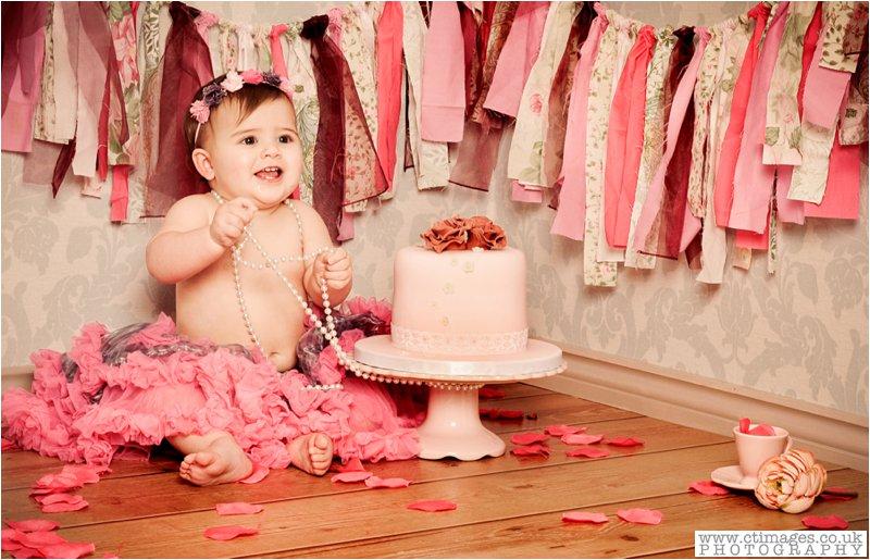 vintage baby, birthday cake, baby in pink tutu, vintage cake smash,