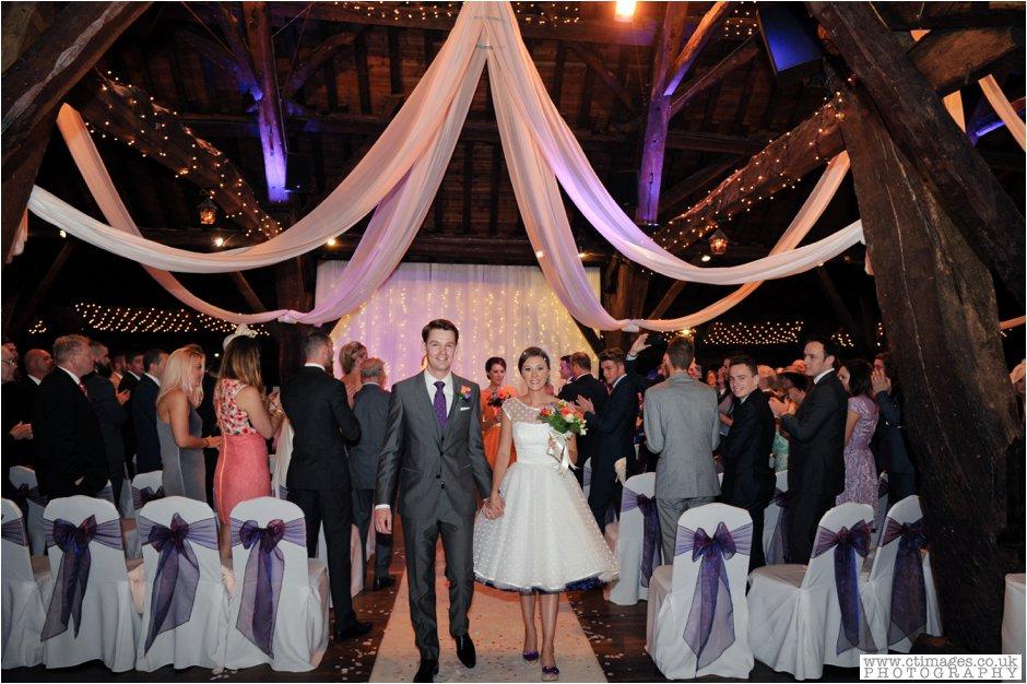 rivington-hall-barn-wedding-photographer-lancashire-weddings-female-photography-creative-photographers_0020.jpg