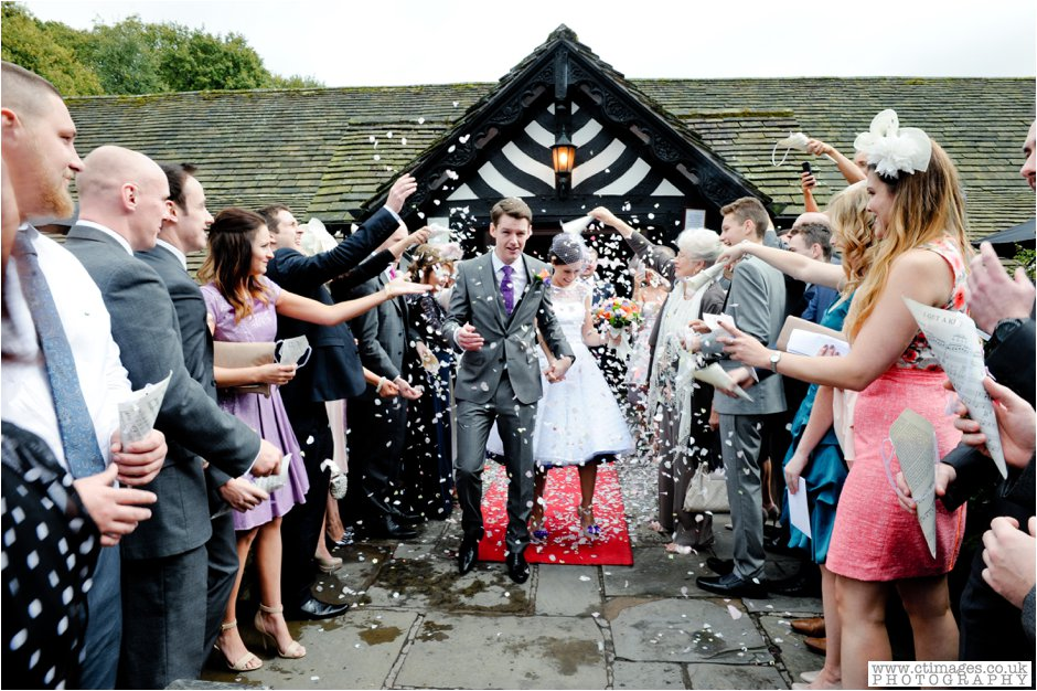 rivington-hall-barn-wedding-photographer-lancashire-weddings-female-photography-creative-photographers_0022.jpg