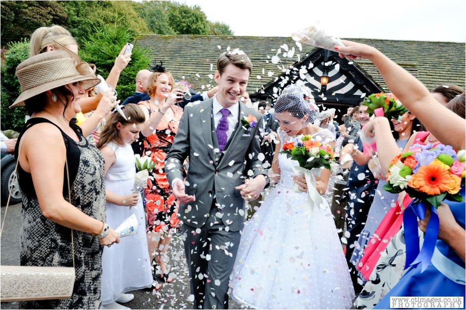 rivington-hall-barn-wedding-photographer-lancashire-weddings-female-photography-creative-photographers_0023.jpg