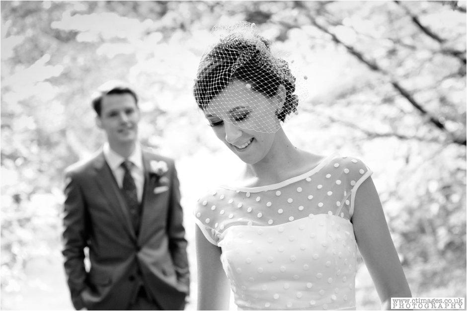 rivington-hall-barn-wedding-photographer-lancashire-weddings-female-photography-creative-photographers_0028.jpg