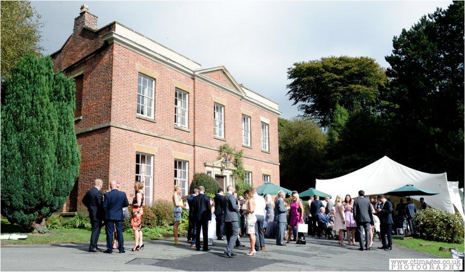 rivington-hall-barn-wedding-photographer-lancashire-weddings-female-photography-creative-photographers_0029.jpg