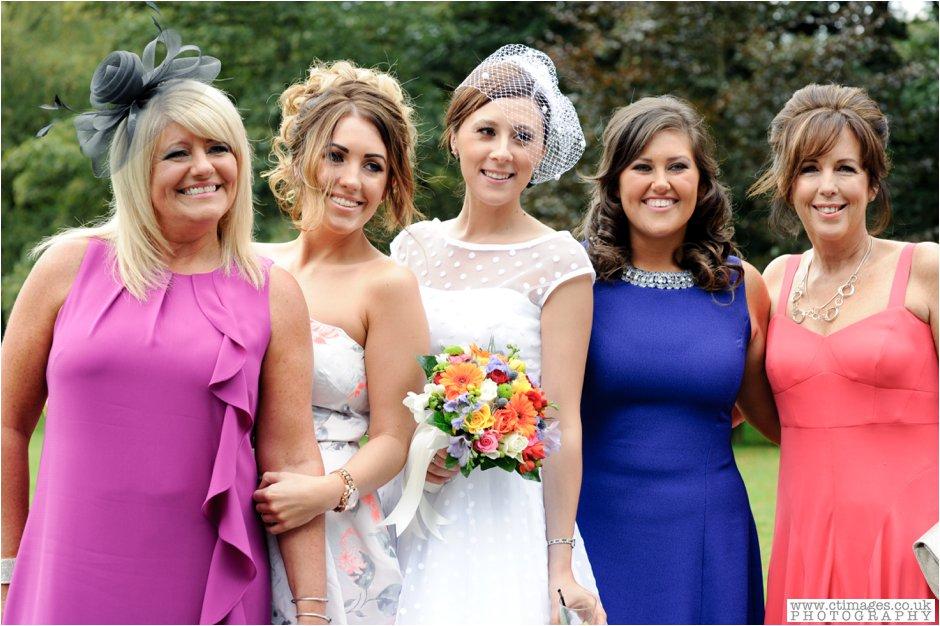 rivington-hall-barn-wedding-photographer-lancashire-weddings-female-photography-creative-photographers_0033.jpg