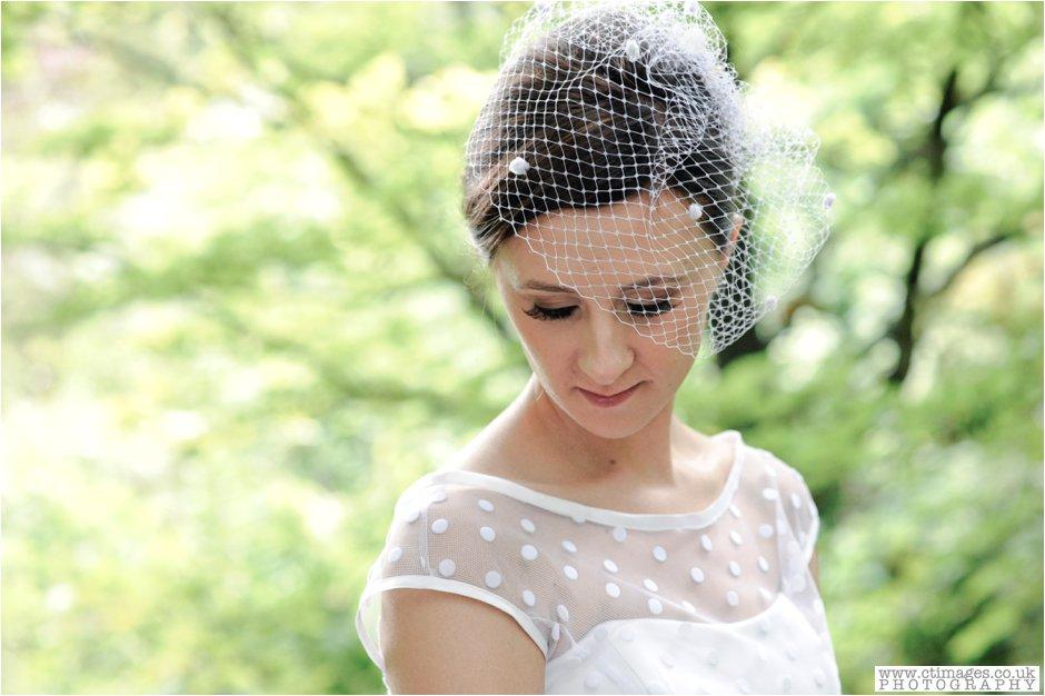 rivington-hall-barn-wedding-photographer-lancashire-weddings-female-photography-creative-photographers_0036.jpg
