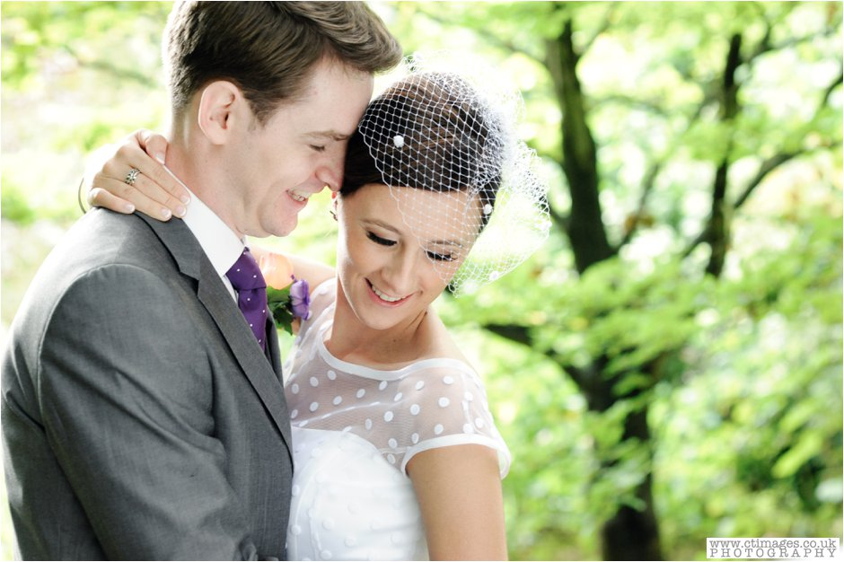 rivington-hall-barn-wedding-photographer-lancashire-weddings-female-photography-creative-photographers_0038.jpg
