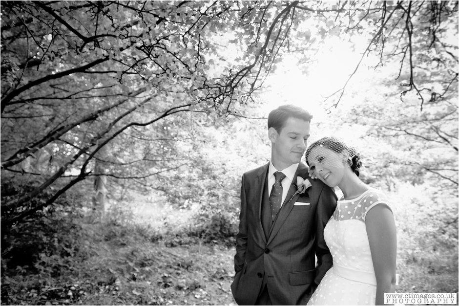 rivington-hall-barn-wedding-photographer-lancashire-weddings-female-photography-creative-photographers_0041.jpg