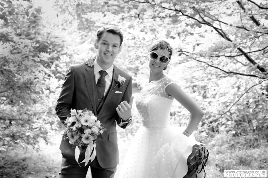rivington-hall-barn-wedding-photographer-lancashire-weddings-female-photography-creative-photographers_0044.jpg