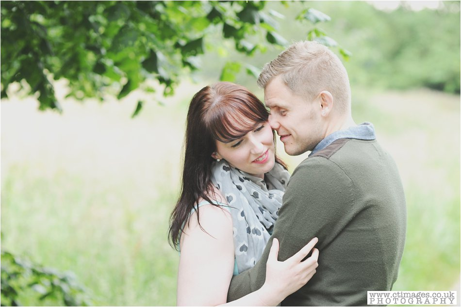 rivington-wedding-photography-horwich-engagement-photographs-creative-wedding-photos_0014.jpg