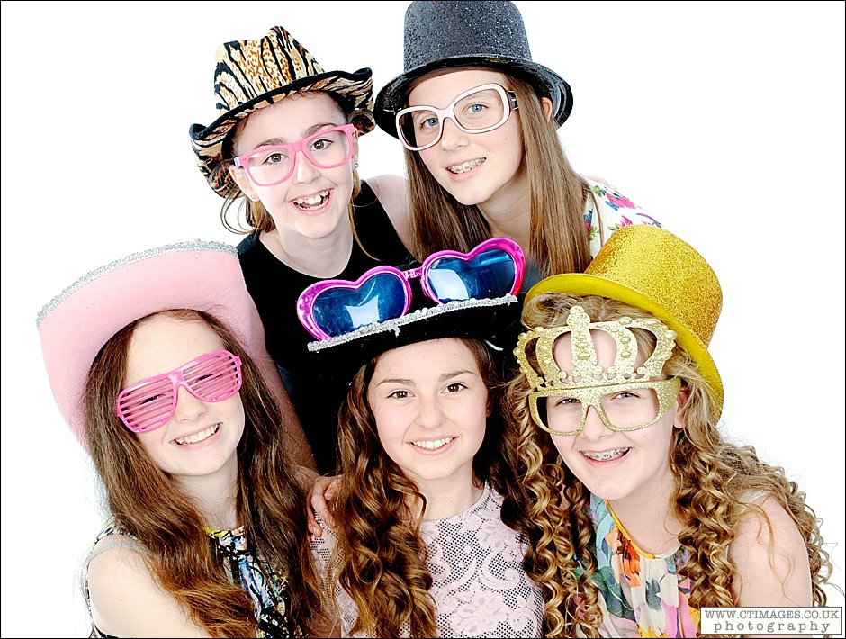 13th birthday party,girls photo parties,manchester cake smash photography,manchester photo parties,studio photography,